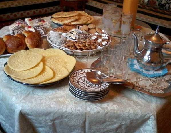 Most Inspiring Moroccan Table Eid Al-Fitr Decorations - Eid-Al-Fitr-Celebrations-Friendly-Morocco-2  HD_448569 .jpg